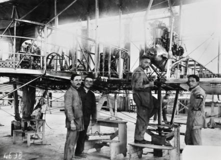 Officine di Savigliano-Aerei in costruzione