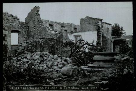 Zerschossene häuser in Temnica. Fotografia dell'esercito Austro-Ungarico
