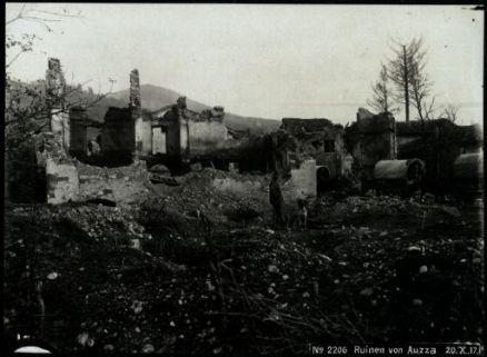 Ruinen von Auzza. Fotografia dell'esercito Austro-Ungarico