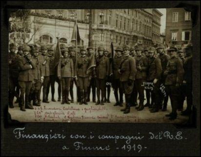 Finanzieri con i compagni del R.E. a Fiume - 1919