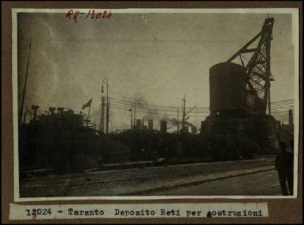 13024 - Taranto. Deposito reti per costruzioni