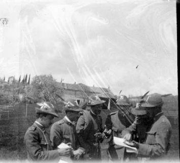 Ufficiali del battaglione Val d'Adige a Monte Vignola