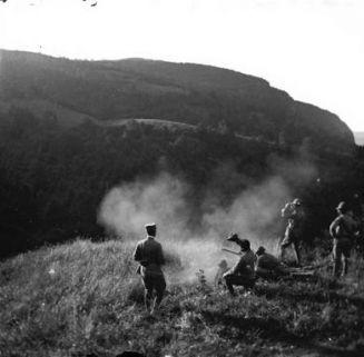 Valle dell'Aviana: Tiro a segno con la mitragliatrice MAXIM, effetti di luce