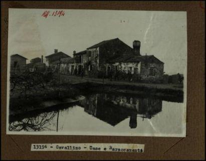 13194 - Cavallino. Case e baraccamenti