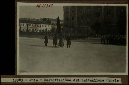 13383 - Pola. Esercitazione del battaglione Caorle