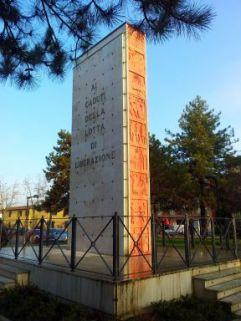 monumento ai caduti, a stele