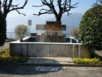 monumento ai caduti, a fontana