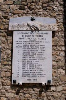 lapide commemorativa