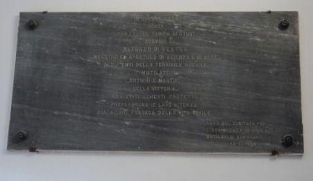 lapide commemorativa ad Alfonso Di Vestea