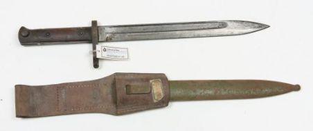 Baionetta coltello mod. 1895 completa di fodero e fascia in cuoio per aggancio alla cintura
