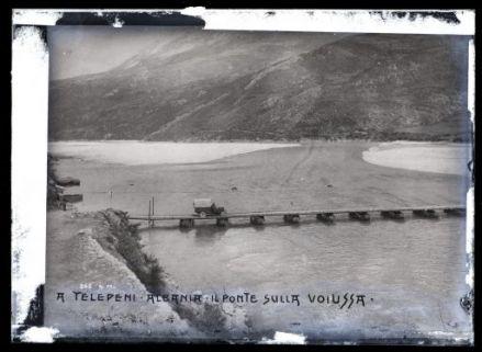 A Telepeni, Albania. Il ponte sulla Voiussa